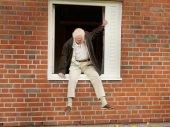 A 100 éves ember, aki kimászott az ablakon és eltűnt