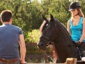 A lovam, Árnyék