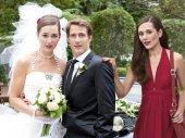 Nővérem menyasszonyi ruhájában